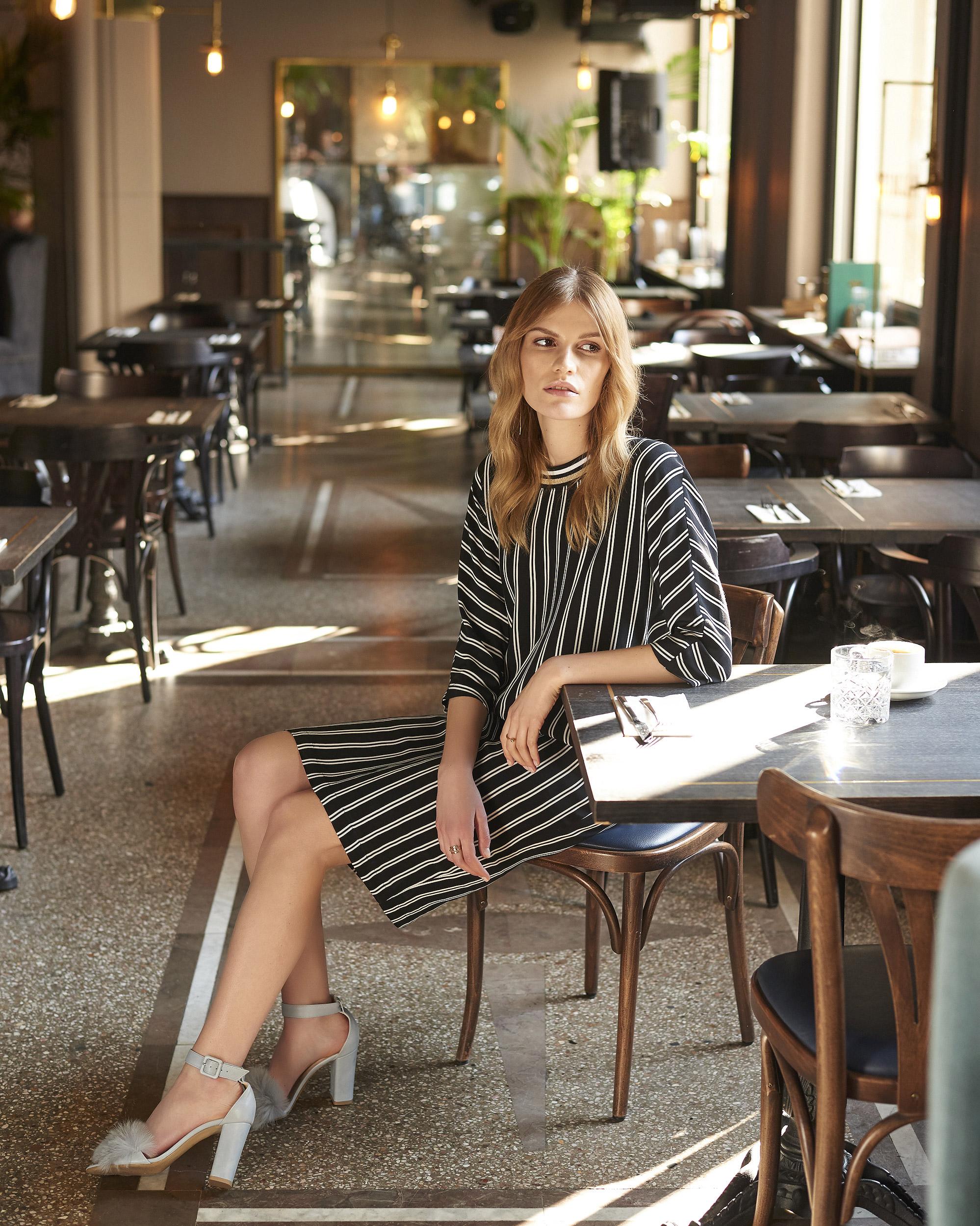 d1b88e4e52 Sukienka firmy Tova - MENA - butik Klasyka - Centrum Mody - Mall ...